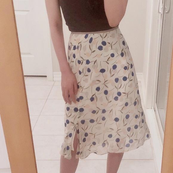 Vintage Dresses & Skirts - Japanese vintage midi skirt floral white blue 38
